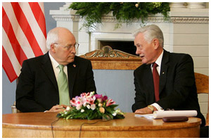 Valdus Adamkus and Dick Cheney